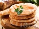 Рецепта Вкусни обикновени пърленки от брашно, суха мая и вода на скара или грил тиган